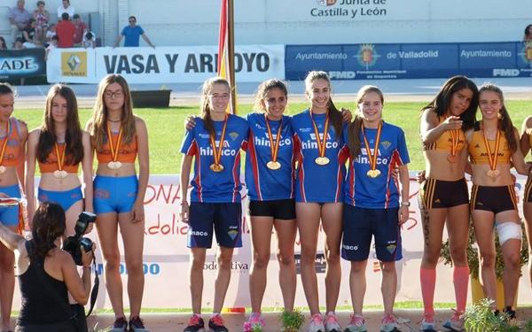 Equipo cadete 4x100 femenino Campeón de España Valladolid